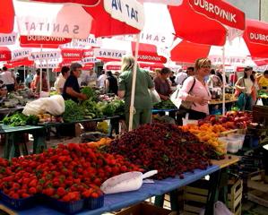 dubrovnik green market image, dubrovnik farmer's market photo