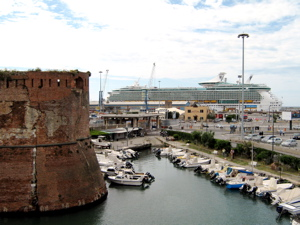 Livorno port picture, Livorno dock photo