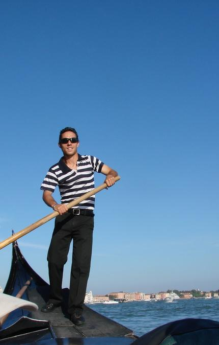 venice gondolier in striped t-shirt