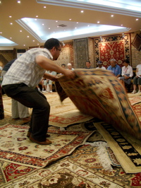 turkish rug demonstration, haggling in turkey, bartering in turkey