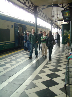 taking a train from messina to taormina