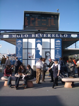 mollo beverello napoli images, napoli hudrofoil station photo