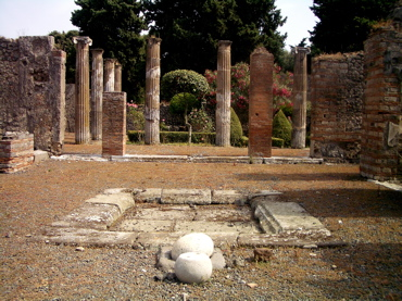 pompeii architecture, pompeii history, pompeii buildings photos