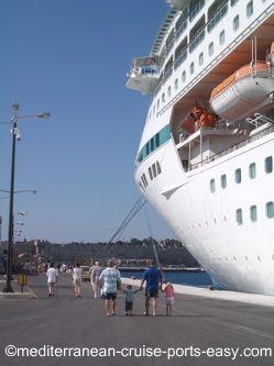 rhodes dock, where do ships dock in rhodes
