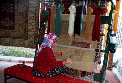 rug weaving, rug weaver, rug making, how rugs are made