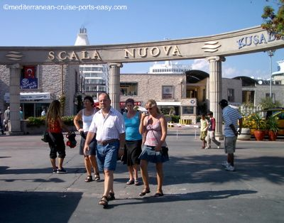 scala nuova kusadasi port, where is the port of kusadasi?