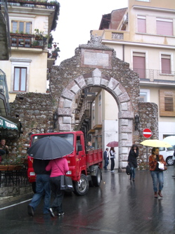 taormina porta messina photo