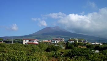 vesuvius volcano picture, vesuvius volcano image, vesuvius photo