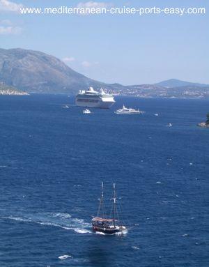 dubrovnik cruise, cruise dock dubrovnik, american cruiser in dubrovnik