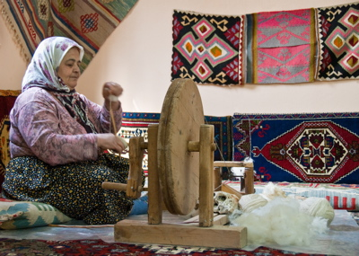 rug making in turkey, how turkish rugs are made, how kilims are different