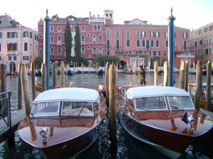 venice water taxi, water taxi picture, water taxi photo